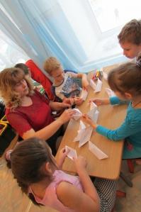 знакомство детей с профессиями сценарий