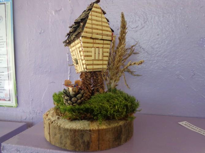 Поделка домик и баба яга