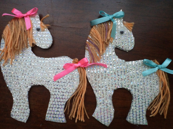 Поделка лошади из бумаги руками ребенка