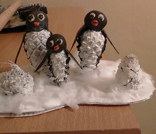 Поделки из шишек пингвин