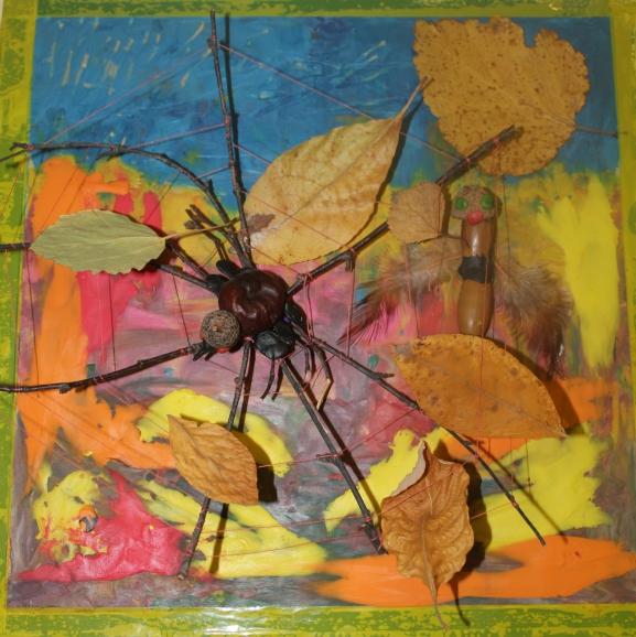 Картинка паутинки с паучками в серединке