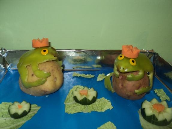 Лягушка из овощей поделка фото 22