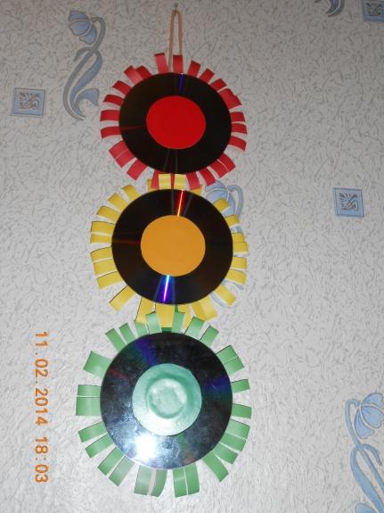 Светофор из дисков своими руками 55