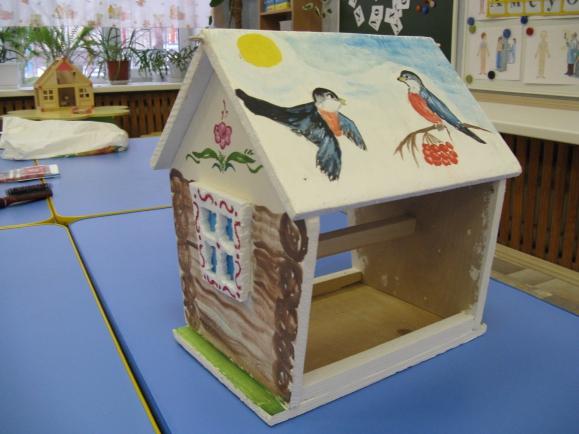 Как оформить кормушку для птиц своими руками фото 159