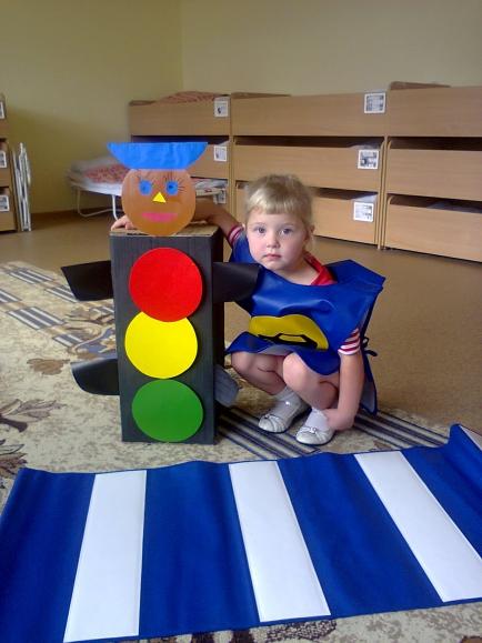 Детские поделки в детский сад светофор 346
