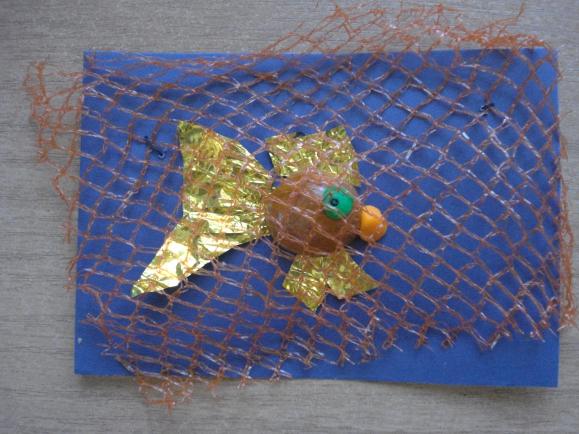 Поделка рыбка из фольги 44