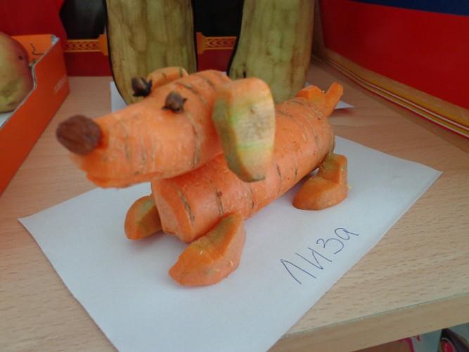 Белка из морковки поделка