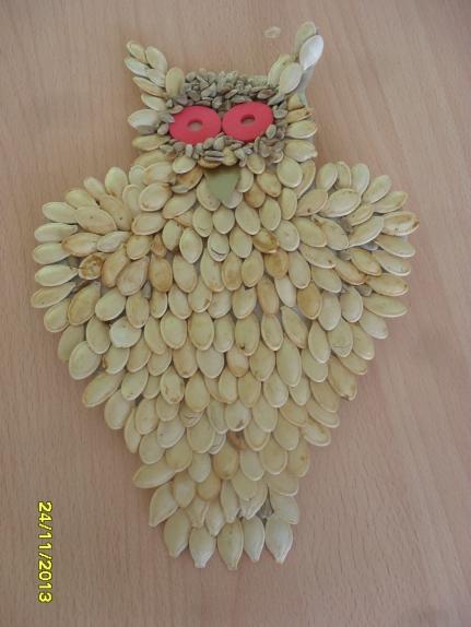 Сова из тыквенных семечек