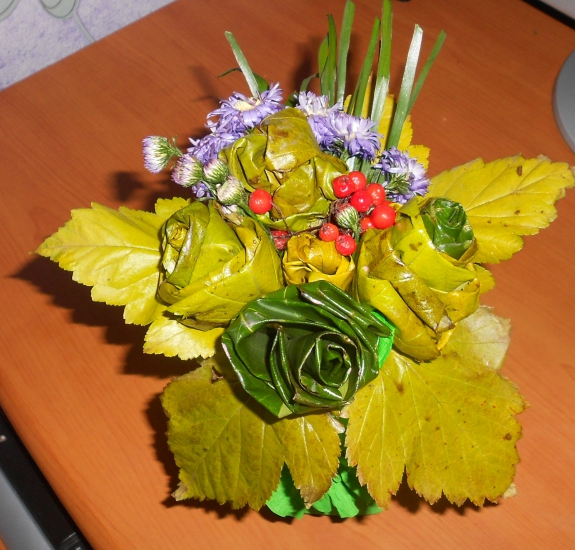 Осенний букет своими руками для детского сада  360