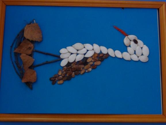 Поделка аист из семечек тыквы 27