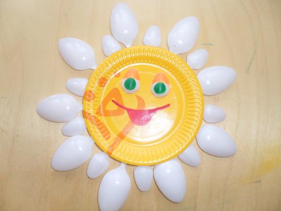 Поделка солнышко в детский сад из одноразовой тарелке 58