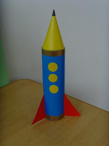Сделать ракету из картона 126