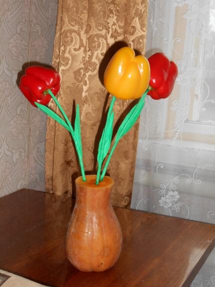 Поделки ваза с цветами из овощей 71