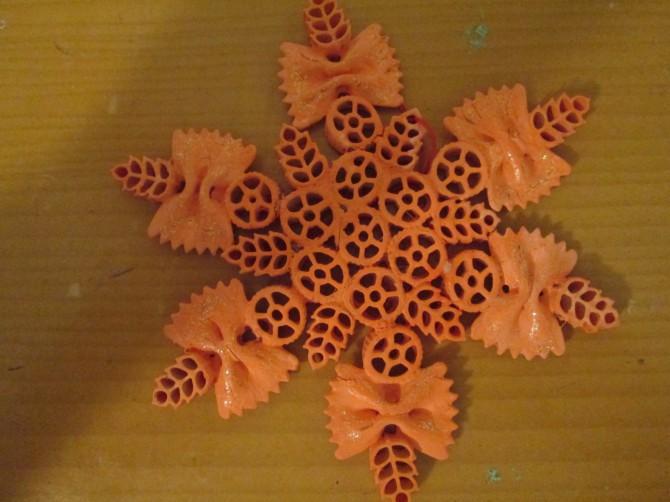 Поделки из макарон волшебный осенний листок фото фотографиях