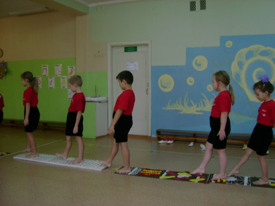 Пензулаева Л.И. Физкультурные занятия в детском саду: Старшая группа. .
