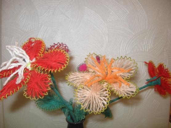 Цве�� из п�оволоки и ни�ок Ма��е�кла�� Во�пи�а�елям