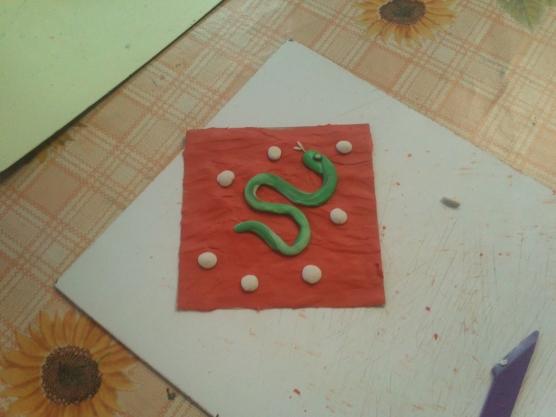 Поделки из пластилина «Змейки» Фото