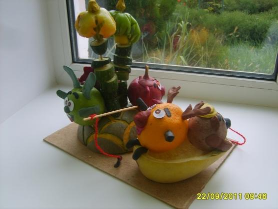 Поделка смешарики из овощей и фруктов