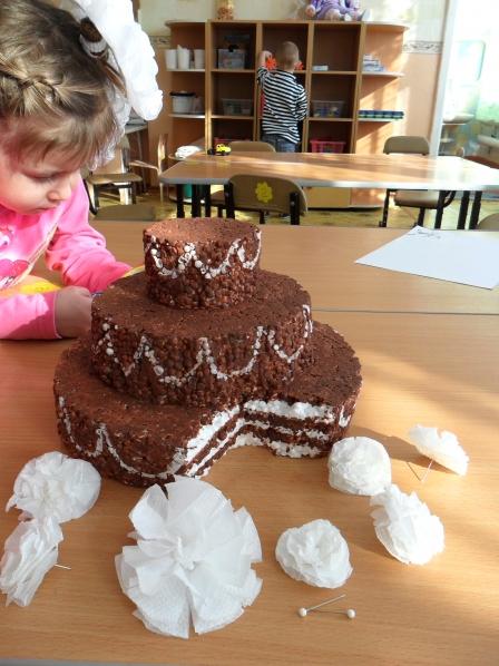 Поделка торт из салфеток