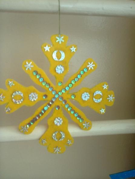 Как сделать снежинки в детском саду