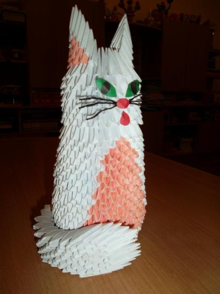 Опубликовано: 29 февраля 2012.  Эту кошечку я выполнила в технике модульное оригами.  Схему сборки нашла на сайте...
