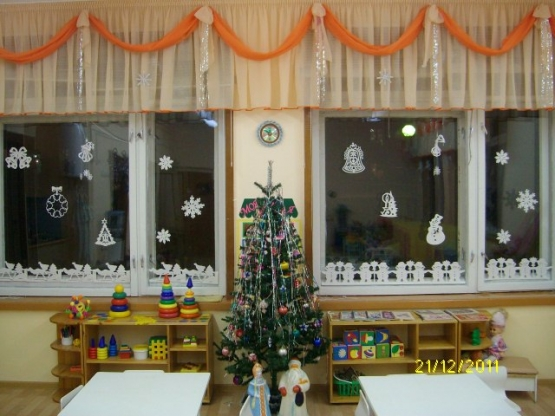 Как украсить комнату мишурой на новый год своими руками фото