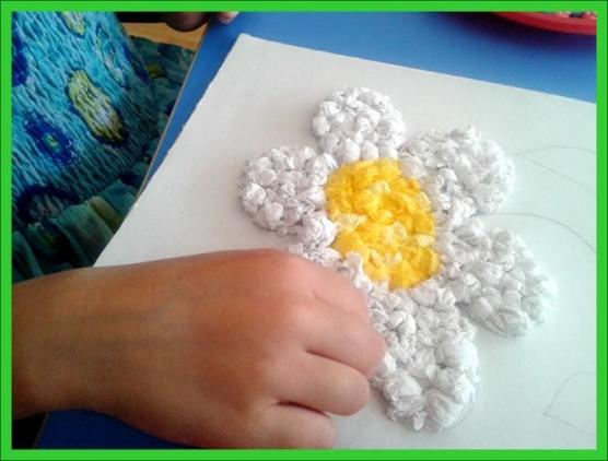 Как сделать ромашку из салфеток своими руками