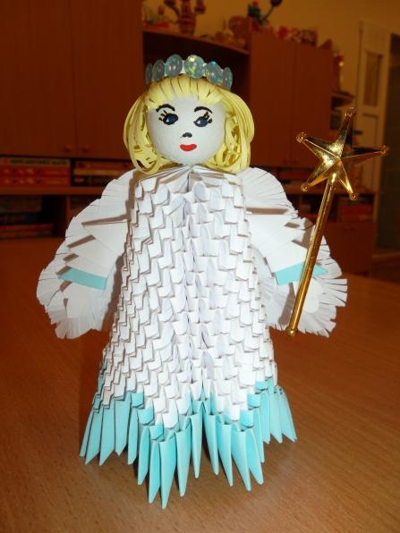 """Вот такого ангелочка я выполнила в технике модульное оригами.  Когда-то увидела на сайте  """"Страна мастеров """" фотографию..."""
