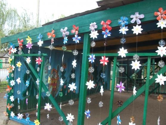 Чем украсить веранду детского сада своими руками