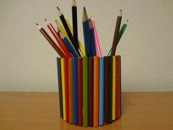 Веселые карандашницы для уголка ИЗО деятельности
