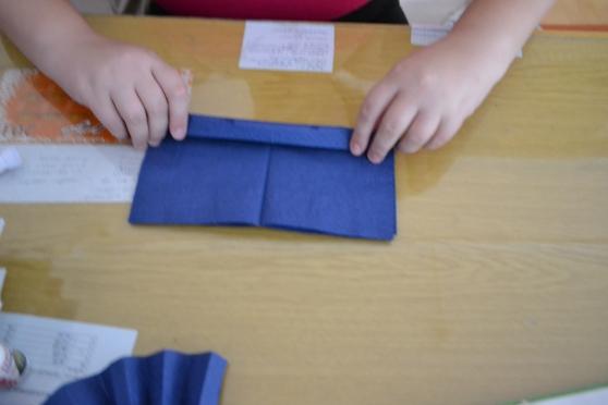 Помпон из салфеток своими руками мастер класс