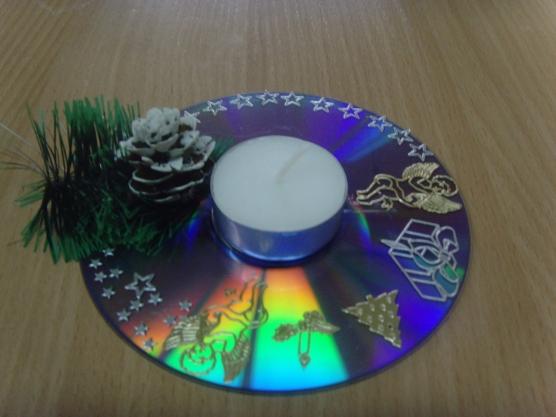 Новогодний подсвечник из диска своими руками