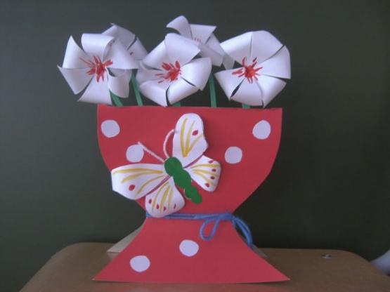 Как сделать вазу из бумаги на картоне