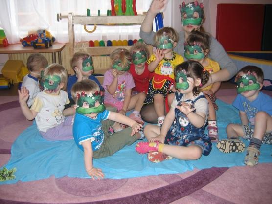 Подвижная игра по экологии «Весёлые лягушата»