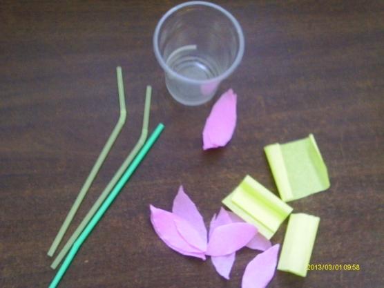 Цветы из трубочек бумаги своими руками 16