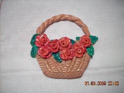 Подарки мамам на 8 марта.  Эти сувениры мы делали вместе с детками.  В тесто добавляла сходу пищевую краску, потому...