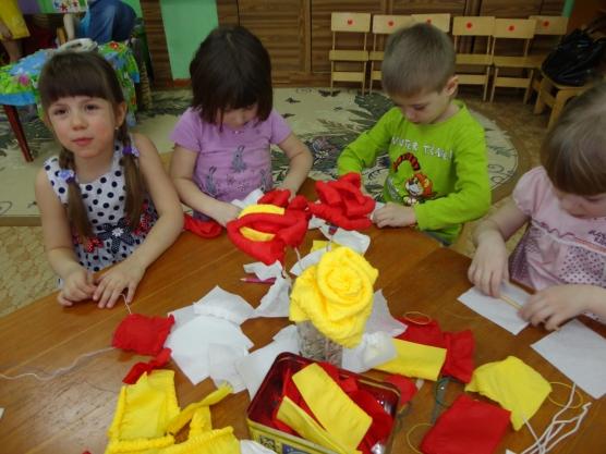 Как сделать цветы легко и быстро из гофрированной бумаги