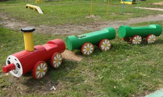 Поезд из бревен для детской площадки своими руками фото 40