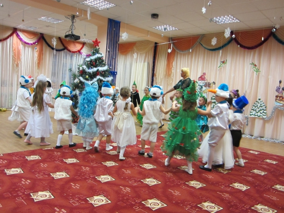 Новогодние сценки для детей старшей группы детского сада