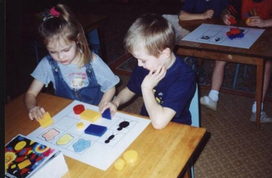 знакомство детей с объемными головоломками