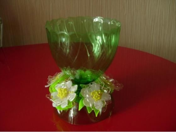 Как сделать вазу из пластиковой бутылки своими руками для цветов