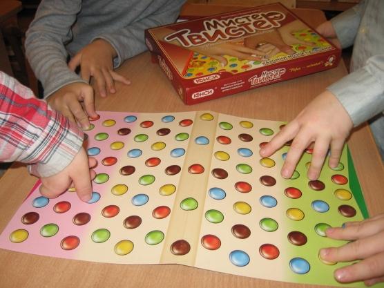 Как сделать игры для ребенка своими руками