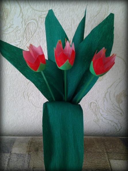 Тюльпаны из пластиковых стаканчиков от «Растишки»