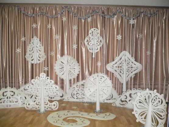 Как украсить зал к новому году своими