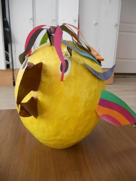 Как сделать из яйца попугая из бумаги