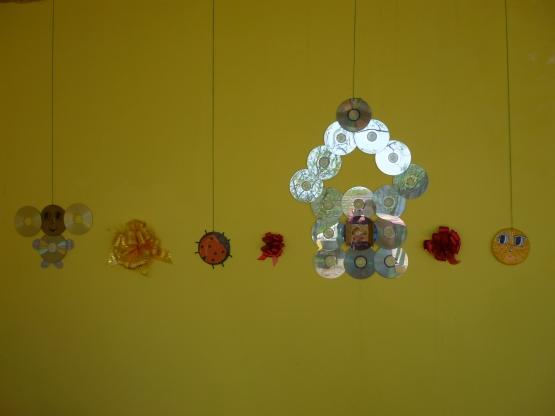 Поделки из дисков на веранду в детском саду 42