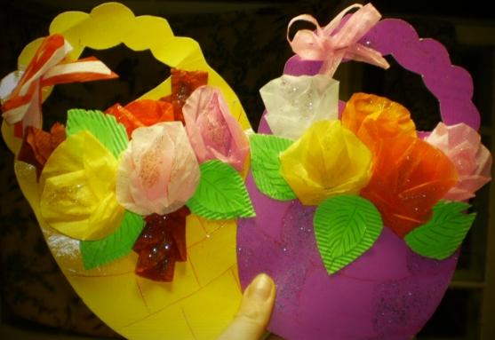 Цветы из салфеток маме на 8 марта своими руками 4