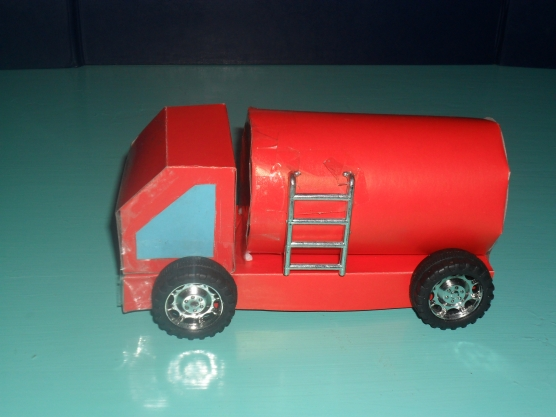 Поделка в детский сад пожарная машина