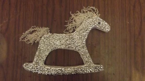 конь из бросового материала своими руками