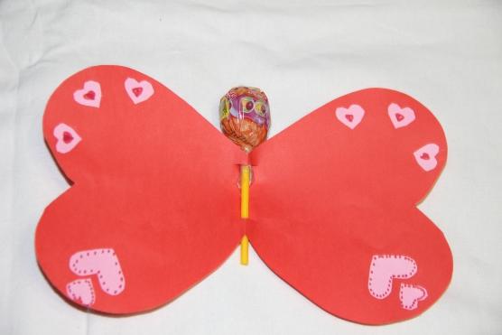 Днем рождения, открытка в виде бабочки валентинка